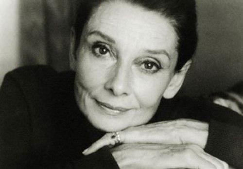 Audrey-Hepburn-mais-velha1