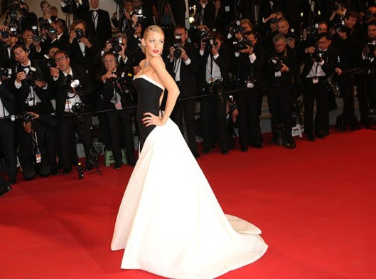 Blake-Lively-a-Cannes-le-16-mai-2014_portrait_w674