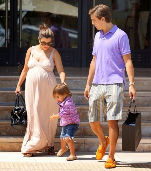 kourtney-kardashian-mason-scott-disick-shopping-barneys-060512-4-481x545